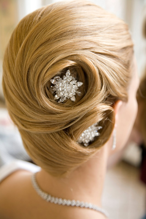 Wedding-hair-styles-for-girls